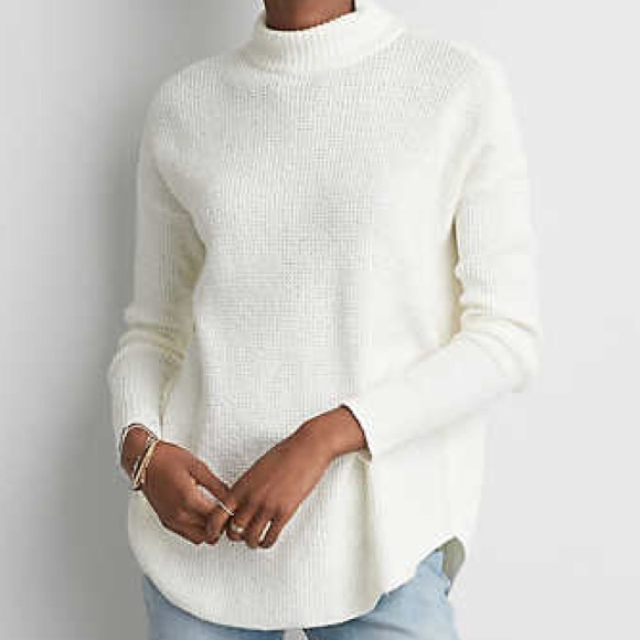 9254d9fed851 American Eagle Outfitters Sweaters - AMERICAN EAGLE MOCK NECK SWEATER 😍